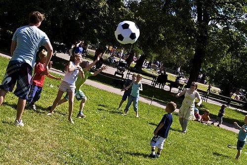 Lek med fotball
