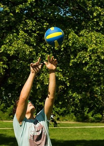 Volleyball i parken