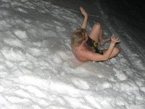 Valp i snøen.