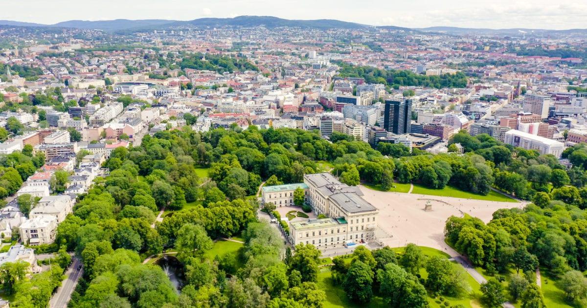 Flyfoto av Slottsparken i Oslo