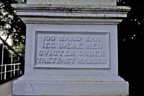 Skiltet ved Åmot bru