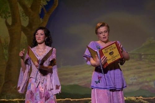 Showets faste forteller Isumi San sammen med Madeleine Cederström