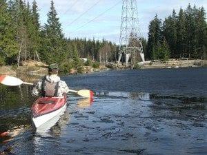 Speider på Tversjøen; Vi sendte like så greit Marcus ut først for å sjekke isen.