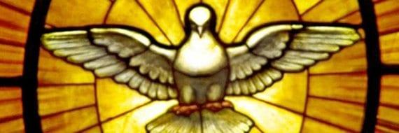 """I den kristne tradisjon er den hellige ånd ofte fremstilt som en due. Bildet er av Gian Lorenzo Berninis glassmaleri """" Dove of the Holy Spirit""""."""