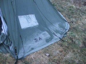 Kaldt ved enden av Bjørnsjøen; Da vi våknet opp på morgenen i leiren vår ved enden av Bjørnsjøen syntes vi at det var litt kaldt - og jaggu var det ikke rim på teltdukken!