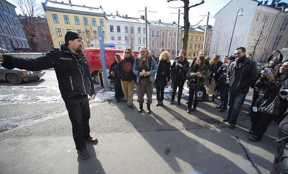 Black Metal Sightseeing Bus. Foto: Victor Jæger/Infernofestivalen