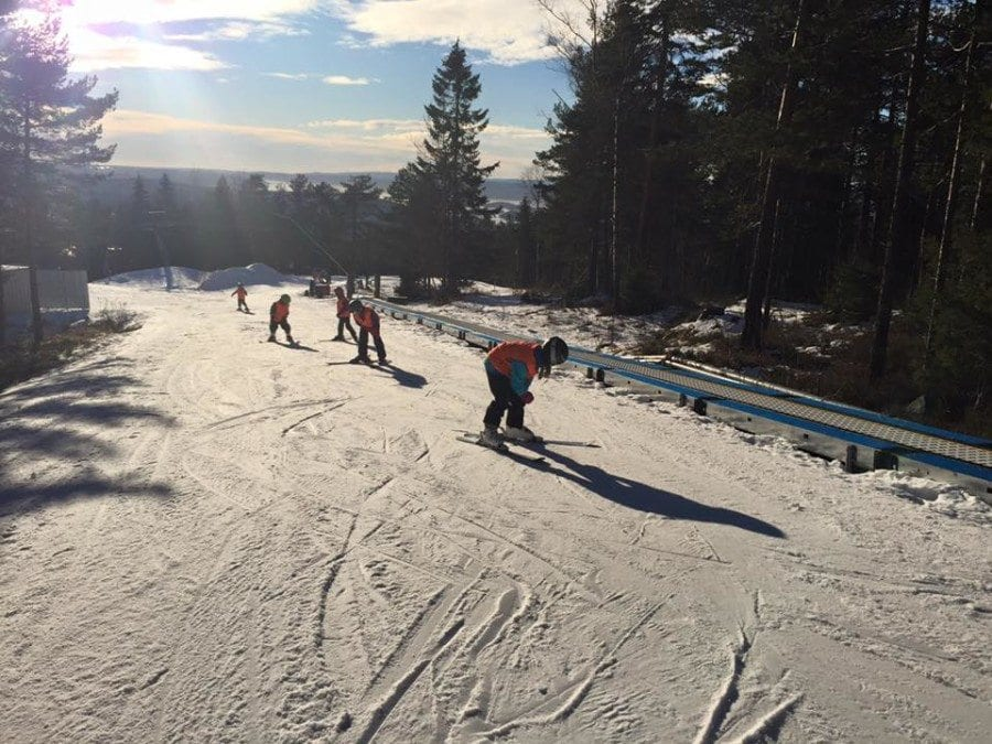 Slalåm og snowboardkurs for barn i vinterferien hovedbilde
