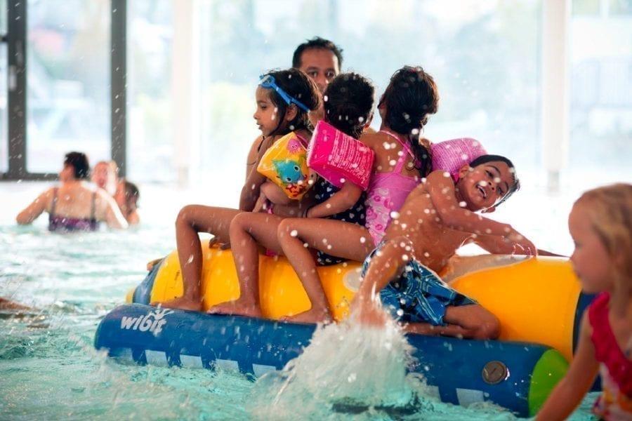 Kortreist Familieferie hos Drammensbadet! hovedbilde