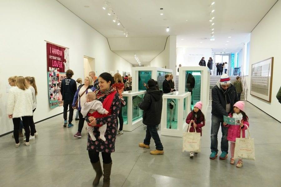 Astrup Fearnley Museet med barna hovedbilde