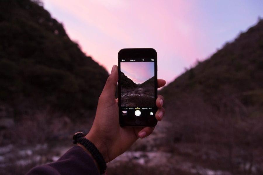 iphone-unsplash