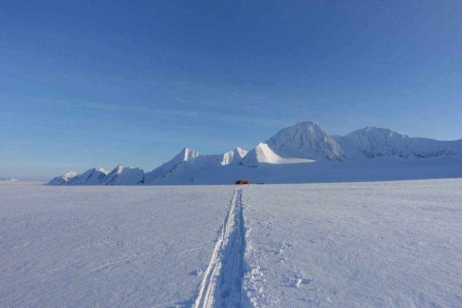Ung og eventyrlysten: Svalbard på langs hovedbilde