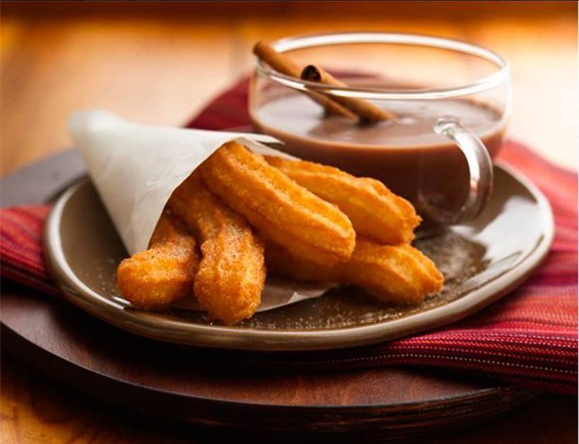Gratis spansk, varm sjokolade og churros hovedbilde