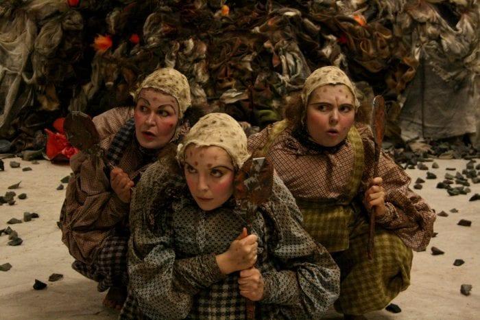 Teaterlørdag UNG: Over stokk og stein hovedbilde