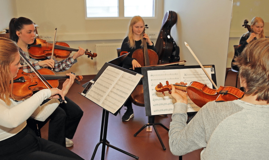Ung i Aulaen: Munch videregående i Aulaen