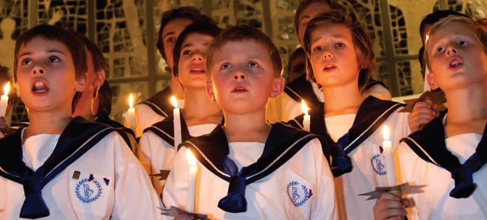 Sølvguttene synger julen inn på Aker Brygge hovedbilde