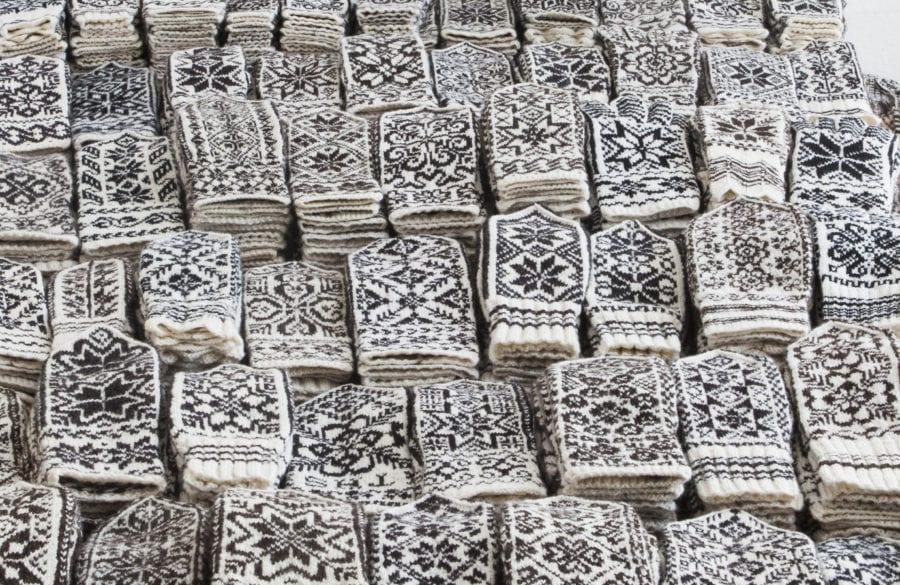 Selbuvotter – En strikkeutstilling av Anne Bårdsgård hovedbilde