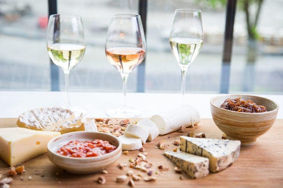 Ost og vin hovedbilde