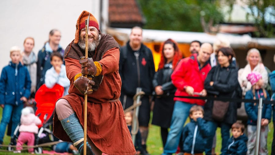 Barnesøndag: Vikinglek hovedbilde