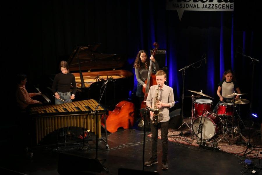 Jazzbarna inntar Sentralen hovedbilde