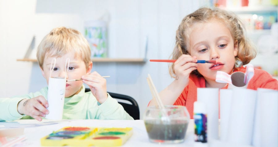 Kunstverksted for barn på Hadeland Glassverk hovedbilde