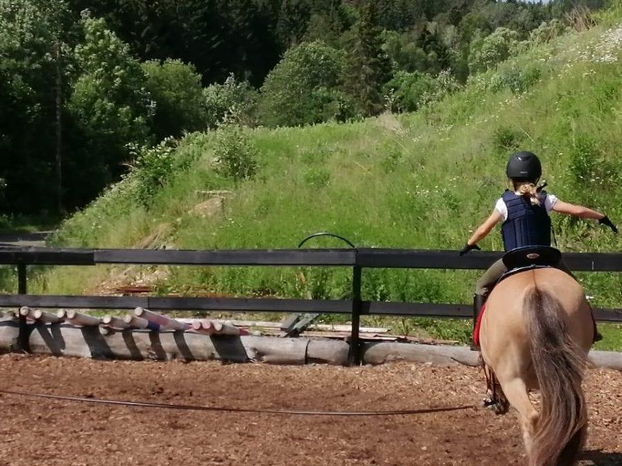 Knøttekurs hos Nordmarka Rideskole hovedbilde