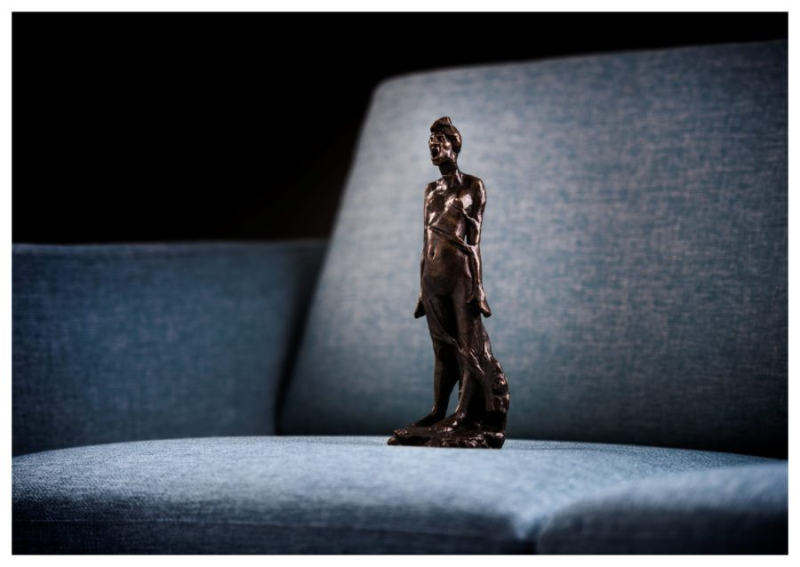Gustav Vigeland – Angsten står i sofaen hovedbilde